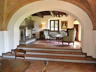 5 bedroom Villa in Villa Barone, Tuscany, Italy : ref 5239512