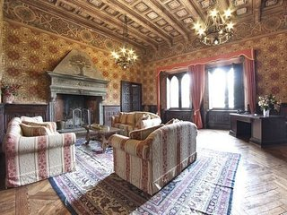 7 bedroom Chateau in Passignano sul Trasimeno, Umbria, Italy : ref 5239227