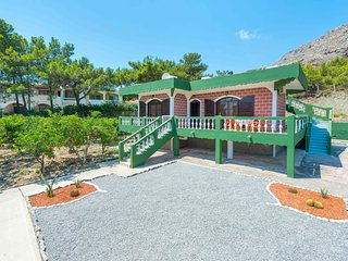 Agia Galini VIlla   (50m from the Beach), Stegna