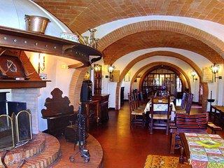 9 bedroom Villa in San Gimignano, Tuscany, Italy : ref 5312829