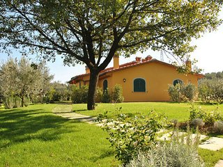 5 bedroom Apartment in Montelupo Fiorentino, Tuscany, Italy : ref 5239979