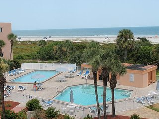 St. Augustine Beach and Tennis, # 3, Steps to Beach, 2 Pools, WIFI, Sleeps 8