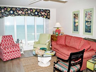 3 BR, 3 BA Newly Renovated Oceanfront condo with AMAZING views!, Pine Knoll Shores