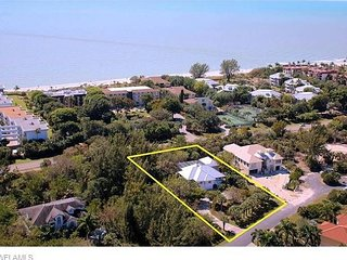 Starfish Lane: 4BR Luxury Home Across the Street from Sandy Sanibel Beaches!!