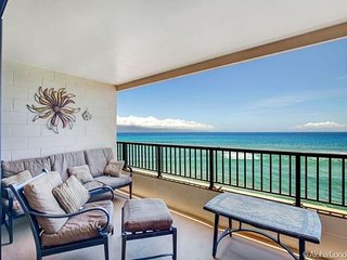 Beautiful 1 Bedroom 1 Bath  Oceanfront Unit in Maui Kai, Condo 304 Kaanapali
