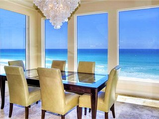 Lune Lac: Luxury 5 Bdrm, BEACH FRONT, Private Pool, Miramar Beach