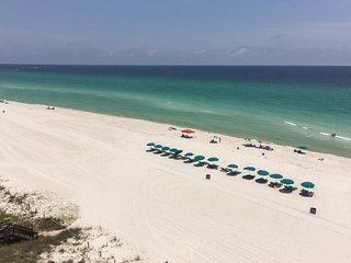 Beachfront condo with amazing gulf views, shared pool, and more!