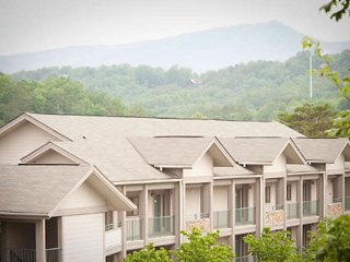 Laurel Crest 1 Bedroom Deluxe Villa, Pigeon Forge