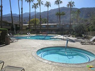 Resort Condo/Pools/Spa/Tennis Court, Palm Springs