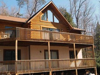 Klco's Kabin- Rumbling Bald Resort, Lake Lure