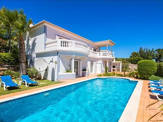 Casa Mia - Beautifully appointed 3 bedroom villa with heated pool, Budens