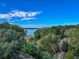 Canyon Cove Retreat At Canyon Lake ~ RA77734