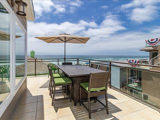 711-Stunning ocean views, 25 feet away from the sands, newly remodeled, AC