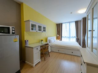 Spacious Yellow Studio at MRT Queen Sirikit, Bangkok