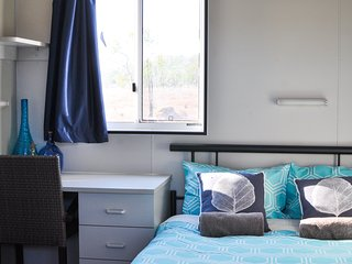 Oakey Downs Retreat #3 Ensuite room - Queen bed, Darwin
