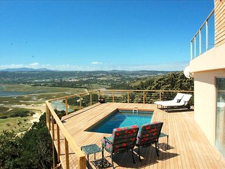 Eagle House - Knysna Lagoon Panoramic Views, 5 Bedroom, Private Pool and