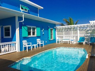 CATCH A WAVE BAHAMAS-  3BR/ 2 BATH, POOL, VIEWS, GOLF CART*