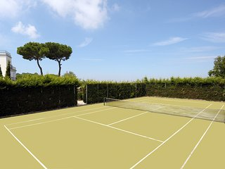Large Luxury Villa Near Sorrento with Private Pool and Walking Distance to