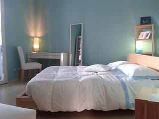 Zuclein camera blu con bagno privato Rimini