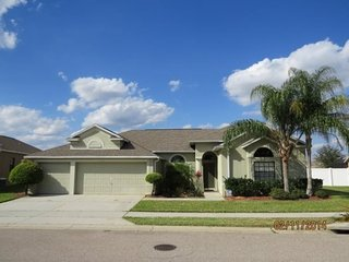Big Beautiful 4 Bedroom Home In Legacy Park with Private Pool, Davenport