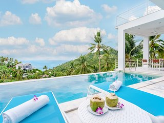 Villa Melo [lower villa] 3br, sea view, pool, gym, Chaweng