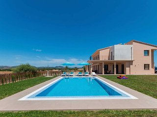 New finca with pool total privacy