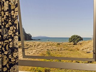 Kotare Beachfront - Whangamata Holiday Unit