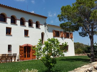 Farmhouse near the coast, La Bisbal del Penedès