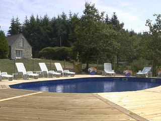 Gites Bonnechere - Bonne Chere Family Friendly Cottages, Pool & Playbarn
