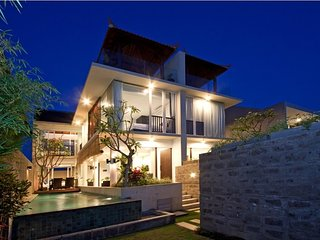Milena 3BR Villa, 5 min walk to Echo Beach, Canggu