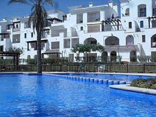 BRIGHT LUXURY APARTMENT ON LA TORRE GOLF RESORT, Roldán