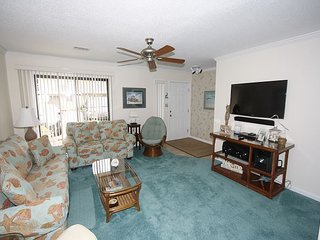 Gulf Winds East #36 Townhome ~FREE Golf, Parasailing Cozy Townhome!