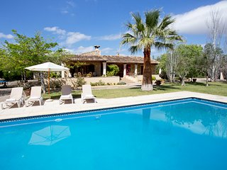 Country house with pool andsurrounded by mountains, Palma de Mallorca