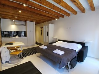 Quadri apartment- 120 steps from St. Marco Square