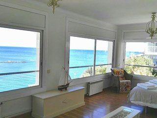 Appartement avec piscine vue mer, Llanca