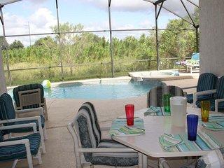 Disney - 4 bed 3 bath pool, hot tub spa, game room, Kissimmee
