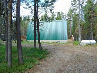 Cute Modified A Frame cabin surrounded by National Forest, Island Park
