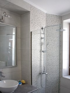 Bathroom & Shower unit