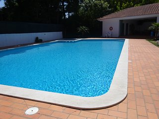 HOUSE NEAR PORTO AND THE BEACH, WITH SWIMMING POOL