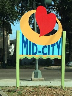 Located in the Mid-City area of New Orleans.   In the center of everything the city has to offer.