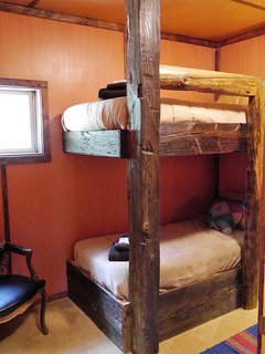 Main Lodge Area - Bunk Bedroom / 2 bunks