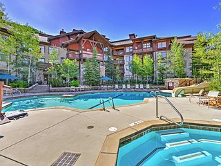 Slopeside 2BR Solitude Condo w/2 Hot Tubs