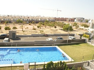 2 bedroom luxury house with wifi and pool, Torrevieja
