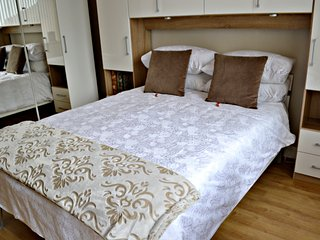 Carmel Superior Apartment 160/140, Falkirk