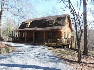 A True Log Cabin with Game Room, Ellijay