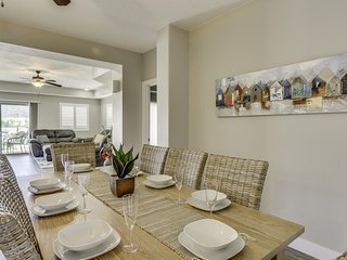 REUNION SUITE - 4 bed/4 bath OR 8 bed/8 bath