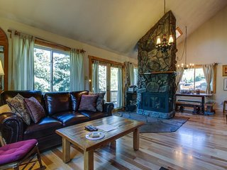Dog-friendly alpine getaway w/ a great location near the Dillon Reservoir!