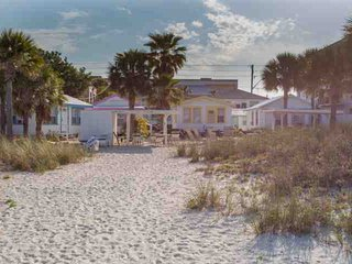 9 - Seahorse Cottages, Treasure Island
