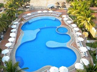 2 BEDR CONDO.IXTAPA HOTEL ZONE. TESORO RESORT, Ixtapa