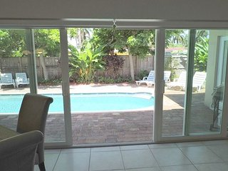 Malibu House 4/3 w/ Pool & Jacuzzi 10 Min to Hollywood  Beach